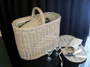 Willow Wicker Picnic Basket